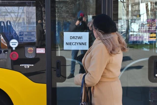 Strefy buforowe pojawią się w autobusach i tramwajach jeszcze dziś