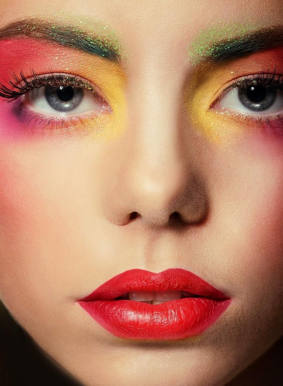 Modny makijaż na lato 2021....