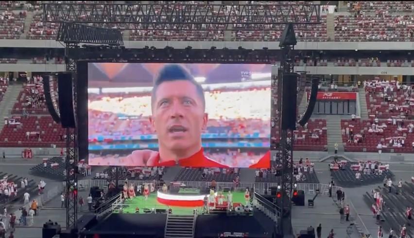 Co za widok! Polscy kibice wspólnie odśpiewali hymn na Stadionie Narodowym [WIDEO]