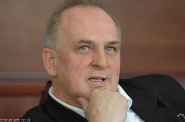 Zarobki burmistrza Andrzeja Kunta wzrosły o 12 tys. zł rocznie.