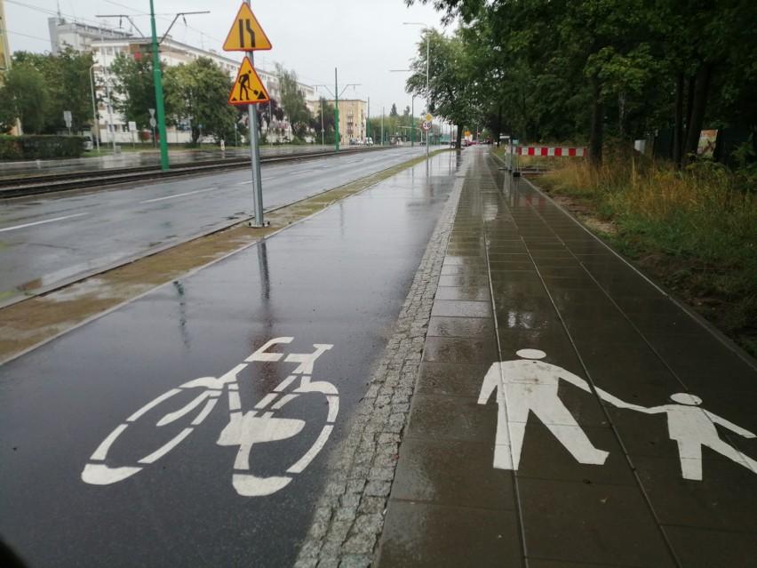 Oznakowanie drogi rowerowej i chodnika nie budzi wątpliwości...