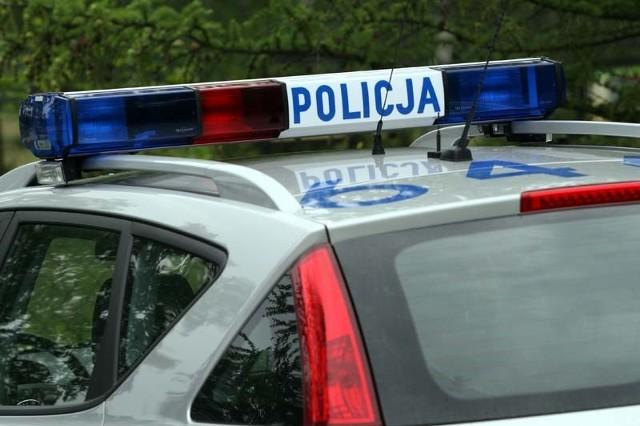 Kolneńscy policjanci zatrzymali prawo jazdy kierowcy, który przekroczył prędkość w terenie zabudowanym o 60 km/h.