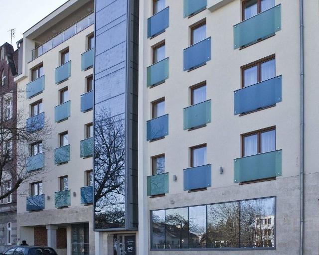 Hotel przy ulicy Waryńskiego położony jest zaledwie kilkaset metrów od rynku.