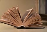 Na śmietniku wylądowały książki zmarłego powstańca warszawskiego, Eureniusza Tyrajskiego