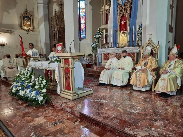 Uroczystości ustanowienia sanktuarium Matki Bożej Klewańskiej przebiegały niezwykle uroczyście