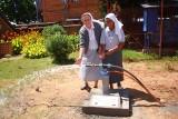 Dzięki pomocy wolontariuszy z Podkarpacia, na Madagaskarze wybudowano studnię głębinową [ZDJĘCIA]