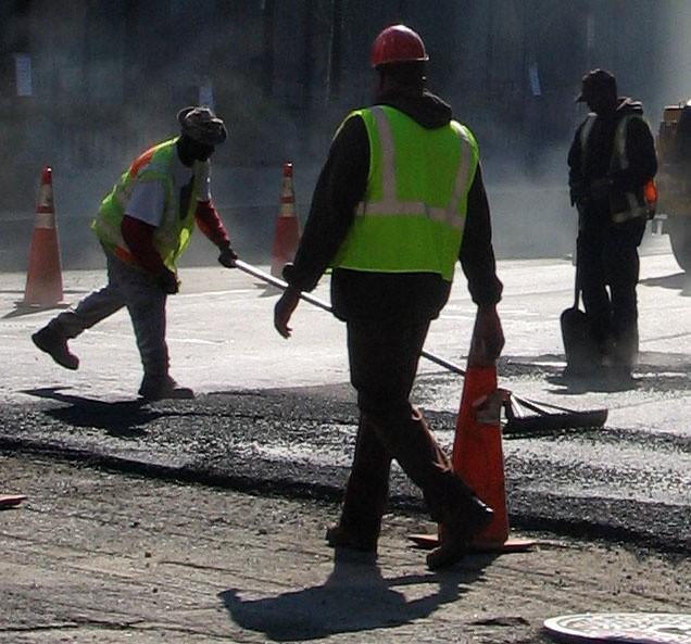Dziś w Koszalinie będzie można natknąć się na ekipy robotników drogowych.