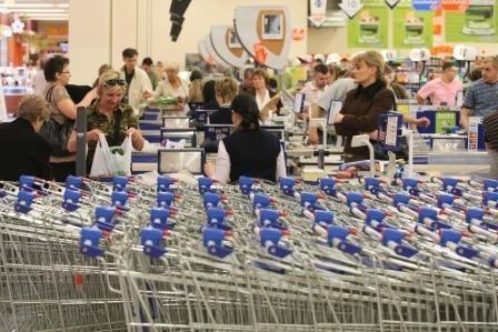 W ten weekend warto się wybrać na zakupy. Największe kieleckie centra handlowe kipią od promocji i wiosennych wyprzedaży. Fot. D. Łukasik