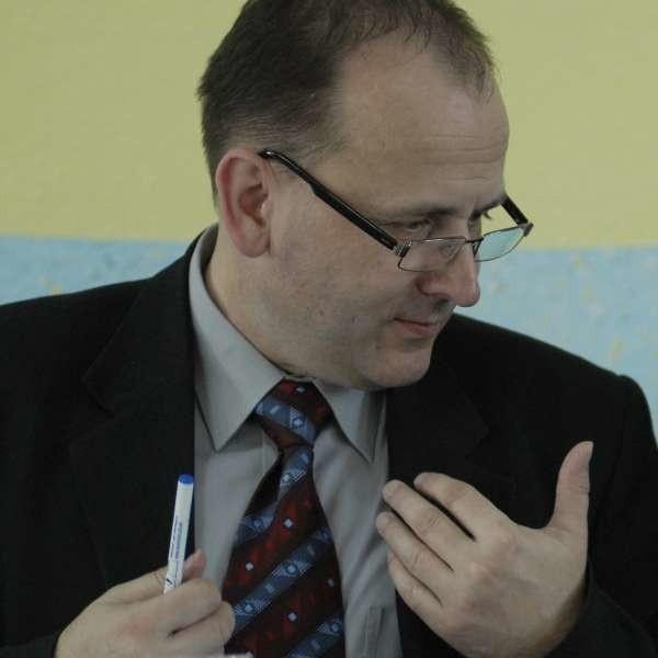 Według Platformy wicemarszałek Józef Kotyś faworyzuje powiaty, w których przewagę ma mniejszość niemiecka.