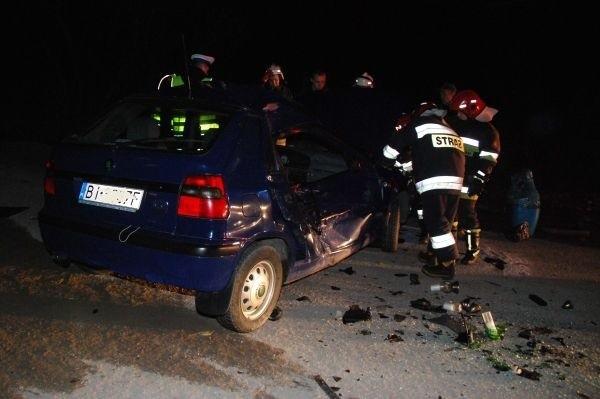 Kobieta zginela w wypadku niedaleko Świetej Wody. Motocyklista, który równiez w nim uczestniczyl w stanie ciezkim trafil do szpitala.