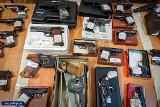 Gang handlarzy bronią rozbity - olbrzymia akcja CBŚP także w Kujawsko-Pomorskiem [zdjęcia]