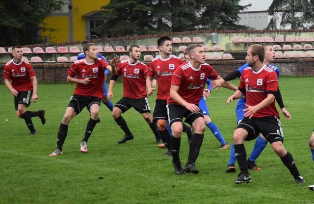 W 34. kolejce BS Leśnica 4 Ligi Opolskiej doświadczyliśmy między innymi efektownych pogoni, przełamania Startu Namysłów oraz meczu, w którym po 90 minut spędzili na boisku trenerzy obu ekip.