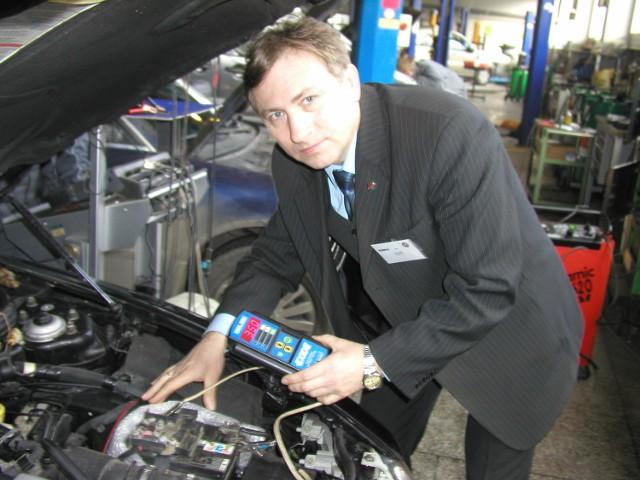 Co 4-5 lat trzeba wymienić akumulator na nowy – mówi Jan Kuklik. – Najlepiej, jeśli zrobilismy to przed zimą