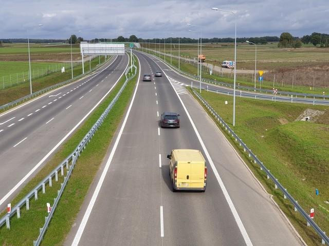 Generalna Dyrekcja Dróg Krajowych i Autostrad Oddział w Szczecinie poinformowała, że złożyła wniosek o wydanie decyzji o zezwoleniu na realizację inwestycji drogowej dla węzła Sianów Zachód (Gorzebądz).
