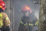 Groźny pożar podczas wymiany butli z gazem. Poparzony mężczyzna ewakuowany helikopterem do Siemianowic Śląskich