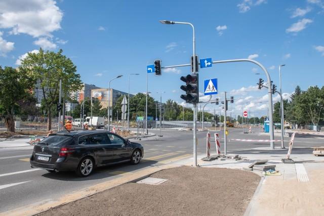"""Mieszkańcy Nramowic od weekendu mogą wybrać patrona """"Nowej Naramowickiej"""" oraz parku, który powstanie po dwóch stronach nowej drogi."""