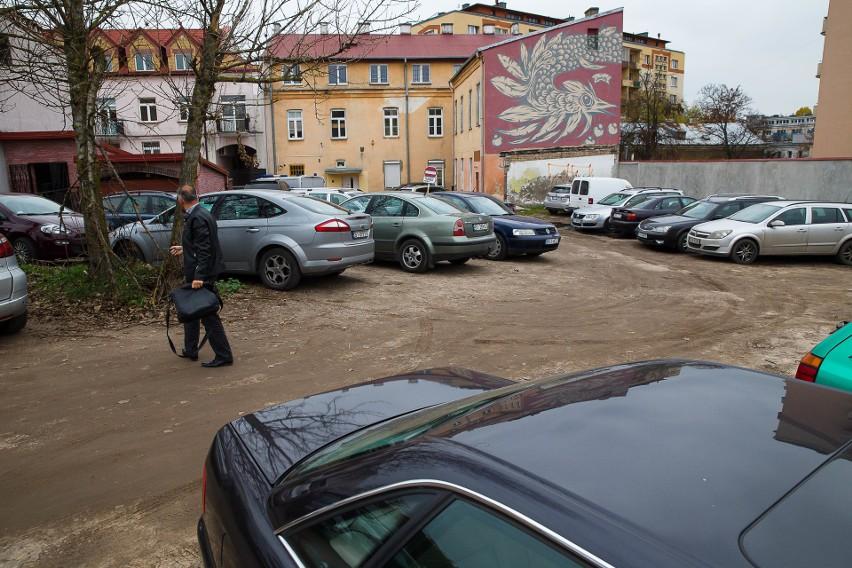 Wybierz najlepsze osiedle dla kierowcy. Na którym osiedlu jest najwięcej parkingów, gdzie najlepiej parkować? [SONDA]