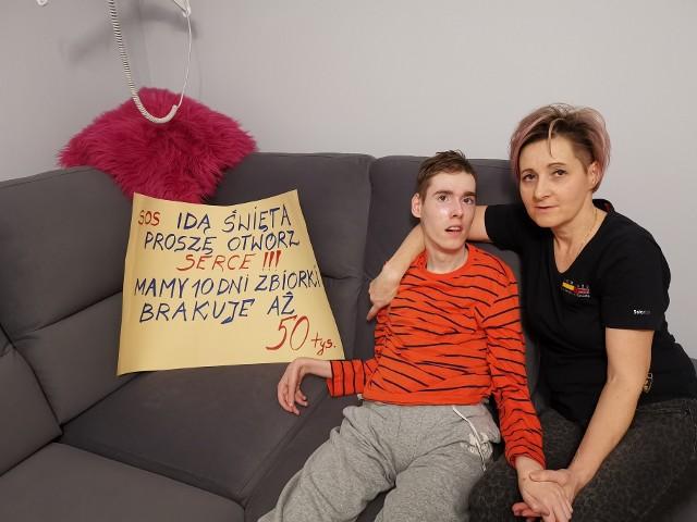 Marcel z mamą. Terapia komórkami macierzystymi jest jedyną szansą na poprawę zdrowia chłopca