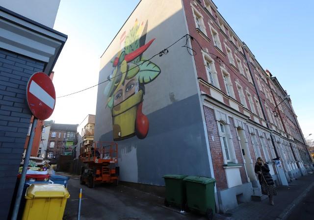 Nowy mural w Katowicach powstał przy ulicy Kordeckiego.Zobacz kolejne zdjęcia. Przesuwaj zdjęcia w prawo - naciśnij strzałkę lub przycisk NASTĘPNE