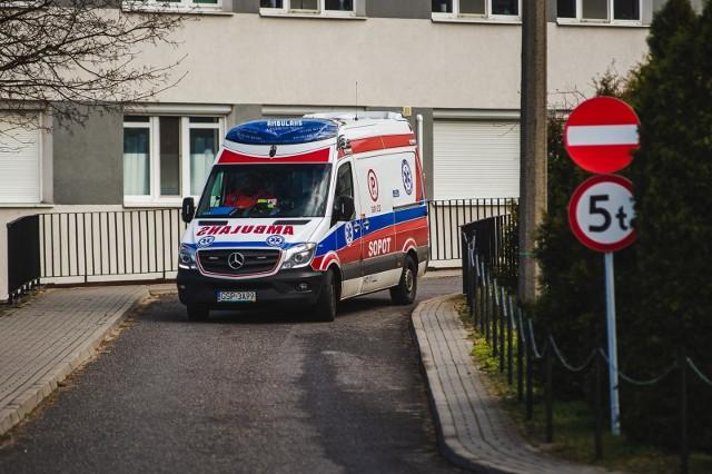 COVID-19 paraliżuje szpitale na Pomorzu! Na  szpitalnym oddziale ratunkowym Szpitala na Zaspie już cztery doby leży zakażona pacjentka z dużą niewydolnością oddechową, a w żadnym ze szpitali covidowskich nie ma dla niej miejsca