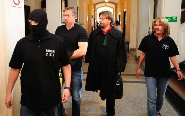 Marcin W. przebywa w areszcie od jesieni ubiegłego roku, kiedy został zatrzymany w związku z podejrzeniem milionowych wyłudzeń od firm leasingowych