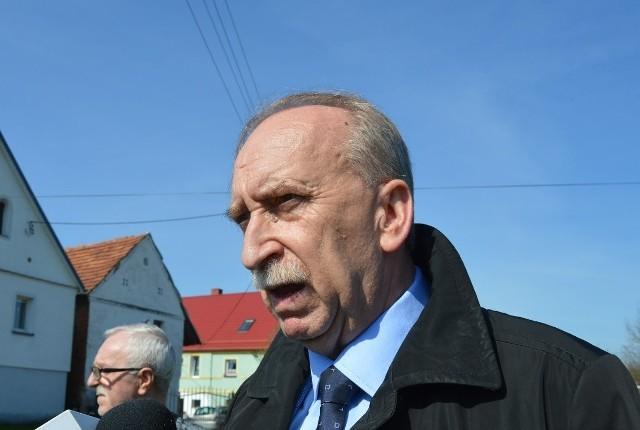 Andrzej Namysło, Andrzej Mazur i Jan Woźniak (na zdj.) – to opolscy kandydaci Lewicy w nadchodzących wyborach do Senatu.