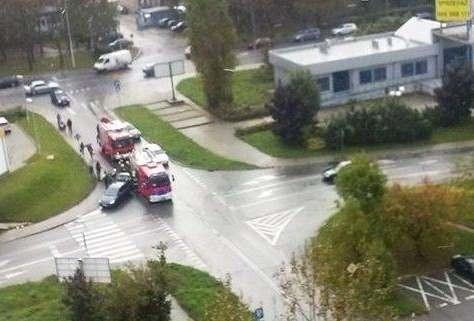 Do wypadku doszło na skrzyżowaniu ulic Piotrkowskiej i Cieszyńskiej.