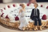 Takie torty weselne są na topie w tym sezonie. Niektóre aż szkoda jeść! [zdjęcia]