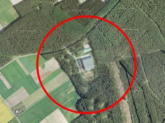 Zamazany obraz z satelity Ośrodka Dowodzenia i Naprowadzania koło Osówca