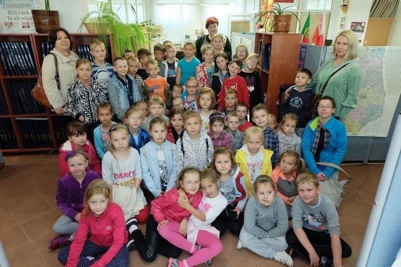 We wtorek przyjechały do nas dzieci ze Szkoły Podstawowej nr 2 w Łapach. Towarzyszyły im opiekunki:  Dorota Tymińska,  Izabela Lewicka i Bożena Jarczewska.