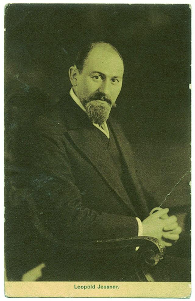 Leopold Jessner, wielka sława niemieckiego teatru, długo pamiętał, że kiedyś w Ustce został wylany z pracy