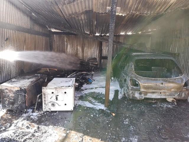 Pożar garażu w Radwanicach