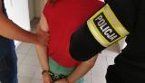 Kradzieże katalizatorów w Białymstoku. Policjanci zatrzymali dwie osoby  na osiedlu Starosielce