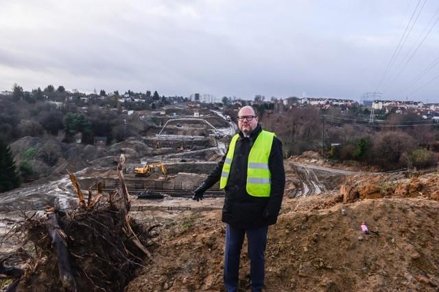 Prezydent  Paweł Adamowicz na budowie Nowej Bulońskiej Północnej 7.12.2018