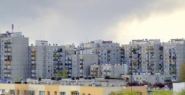 Mieszkanie w bloku może być prawdziwym utrapieniem. Zobacz, co najbardziej nie podoba się mieszkańcom bloków.