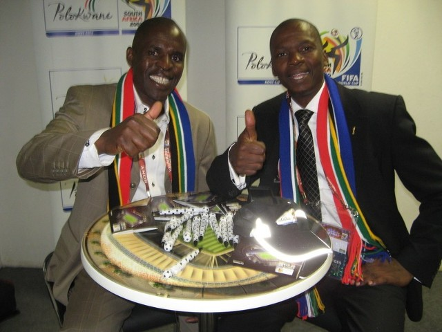 Ndavhe Ramakuela (z lewej) i Mantlako Sebaka zapewniają, że ich Polokwane jest już gotowe do przyjęcia mundialowych gości
