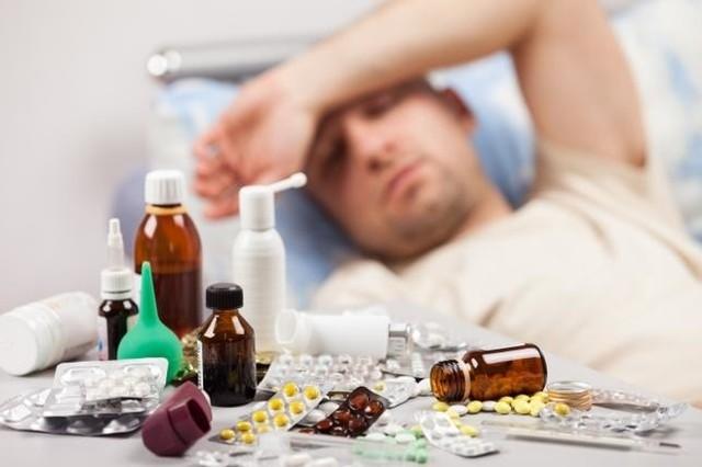 Nowe ostrzeżenie GIF. Główny Inspektorat Farmaceutyczny wydał nowe ostrzeżenie w sprawie wycofanych leków. Aż sześć różnych popularnych leków na przeziębienie zostało wycofanych z obrotu! Główny Inspektorat Farmaceutyczny 11 lutego 2019 roku wydał decyzję o wycofaniu z obrotu kolejnych leków. Sprawdź, czy masz je w domu!