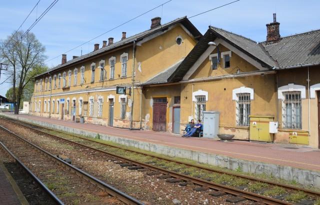 Dworzec w Rozwadowie to wiekowy budynek i za kilka lat będzie zmodernizowany z pieniędzy pochodzących z Unii