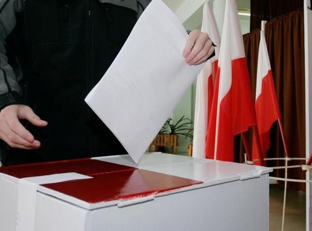 W tegorocznych wyborach osoby starsze i niepełnosprawne mogą głosować korespondencyjnie lub za pośrednictwem pełnomocnika.