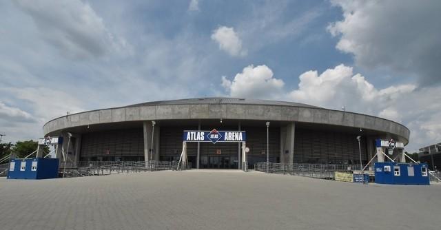 Po wakacjach Atlas Arena zostanie rozświetlona przez kolorową iluminację.