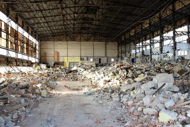 W ostatnich dniach prowadzono prace rozbiórkowe wewnątrz Cieplaka. 13 sierpnia prezydent Arkadiusz Wiśniewski symbolicznie rozpoczął demontaż budynku. Ma potrwać kilka tygodni.