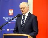 Polski Ład: Kwota wolna od podatku zostanie podniesiona do 30 tysięcy złotych. Jakie inne ulgi zapowiada Zjednoczona Prawica?