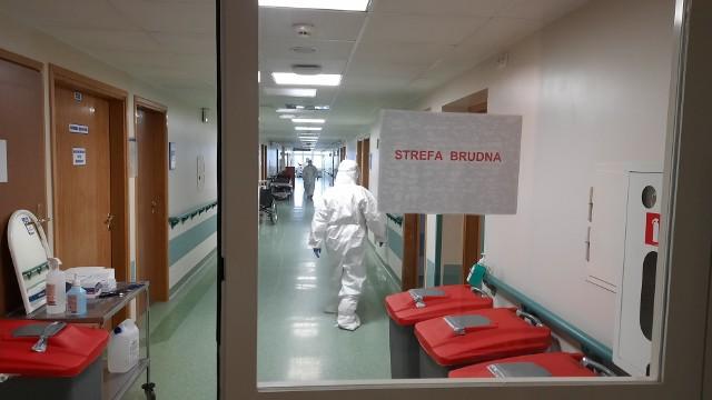 Szpital w Grudziądzu jest  tzw. węzłowym dla całego Kujawsko-Pomorskiego pod względem zabezpieczenia medycznego dla chorych z CIVID-19. To tutaj trafiały najcięższe przypadki pacjentów z koronawirusem.