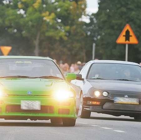 W Polsce są dwa legalne wyścigi uliczne - w Łodzi i w Gorzowie Wlkp. Tam w ostatni weekend stanęło na mecie 60 aut. Patrzyło na nich kilka tysięcy kibiców. I super! Ale impreza była pod kontrolą.