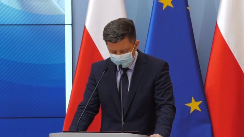 Adam Niedzielski: Czwarta fala pandemii się rozpędza. Co z kolejnym lockdownem? Rząd planuje regionalizację obostrzeń