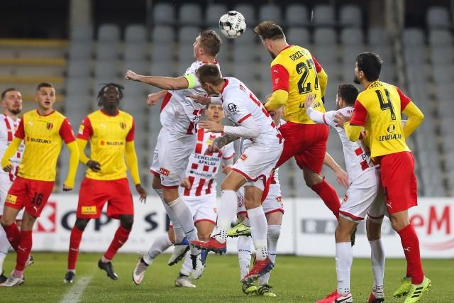 Korona Kielce pokonała na Suzuki Arenie Resovię 1:0 po golu Emile Thiakane.