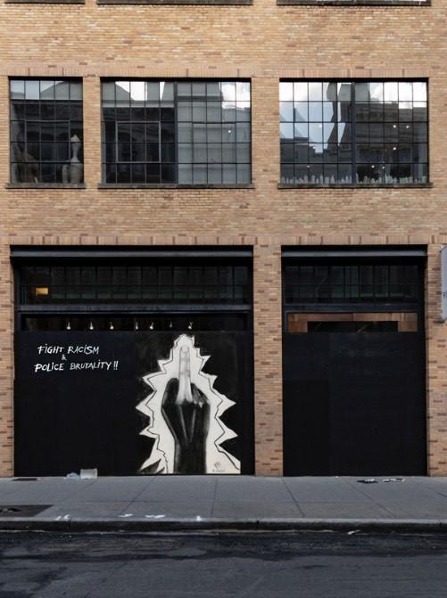 """Murale """"Can't we live??!"""" w Nowym Jorku. Tak Janusz Gilewicz, artysta polskiego pochodzenia, upamiętnił George'a Floyda"""
