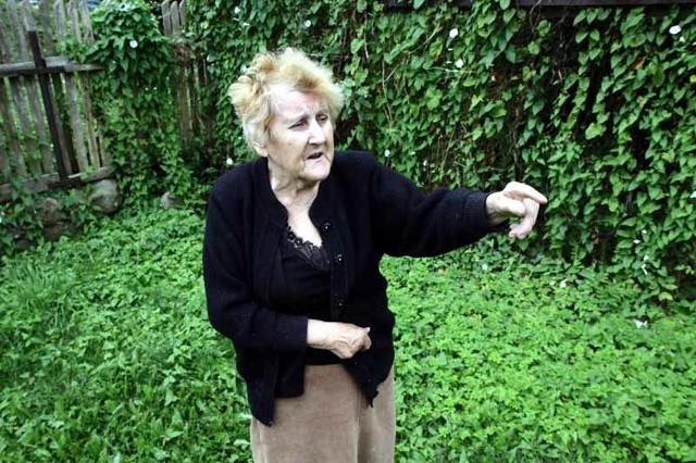 Po każdej ulewie mam powódź na podwórku, choć nie mieszkam przy żadnej rzece – mówi Maria Mazur.– Materiały budowlane, które miałam w piwnicy do niczego już się nie nadają.