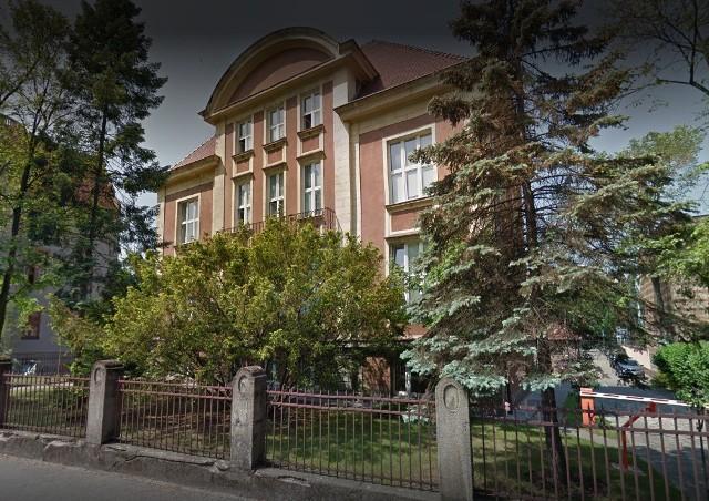 Po zatwierdzeniu umowy i generalnym remoncie w budynku będą odbywać się zajęcia dla studentów Instytutu Historii Sztuki. Co więcej ma on być także siedzibą władz Wydziału Nauk o Sztuce.