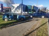 Kolizja  w Bydgoszczy. Na Błoniu zderzył się dwa auta osobowe